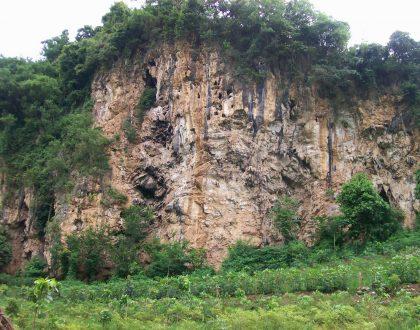 Suka Climbing? Panjat Tebing Lembah Kera Di Malang Yang Satu Ini Deh!