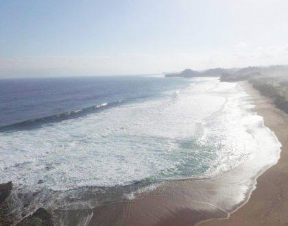 Setenang Suasana Malam, Muara Pantai Ini Bikin Jatuh Cinta