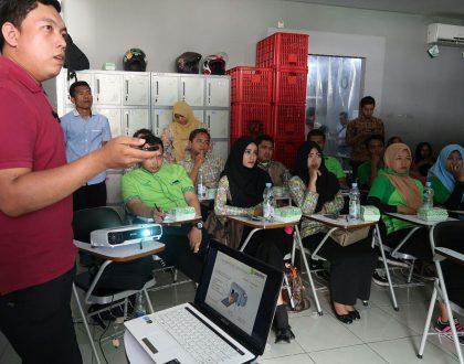 Malang Strudel Training Metal Detector dan Jamin Kehigienisan Produk