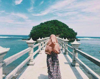 Pantai Jembatan Panjang, Punya Jembatan Yang Membelah Laut!